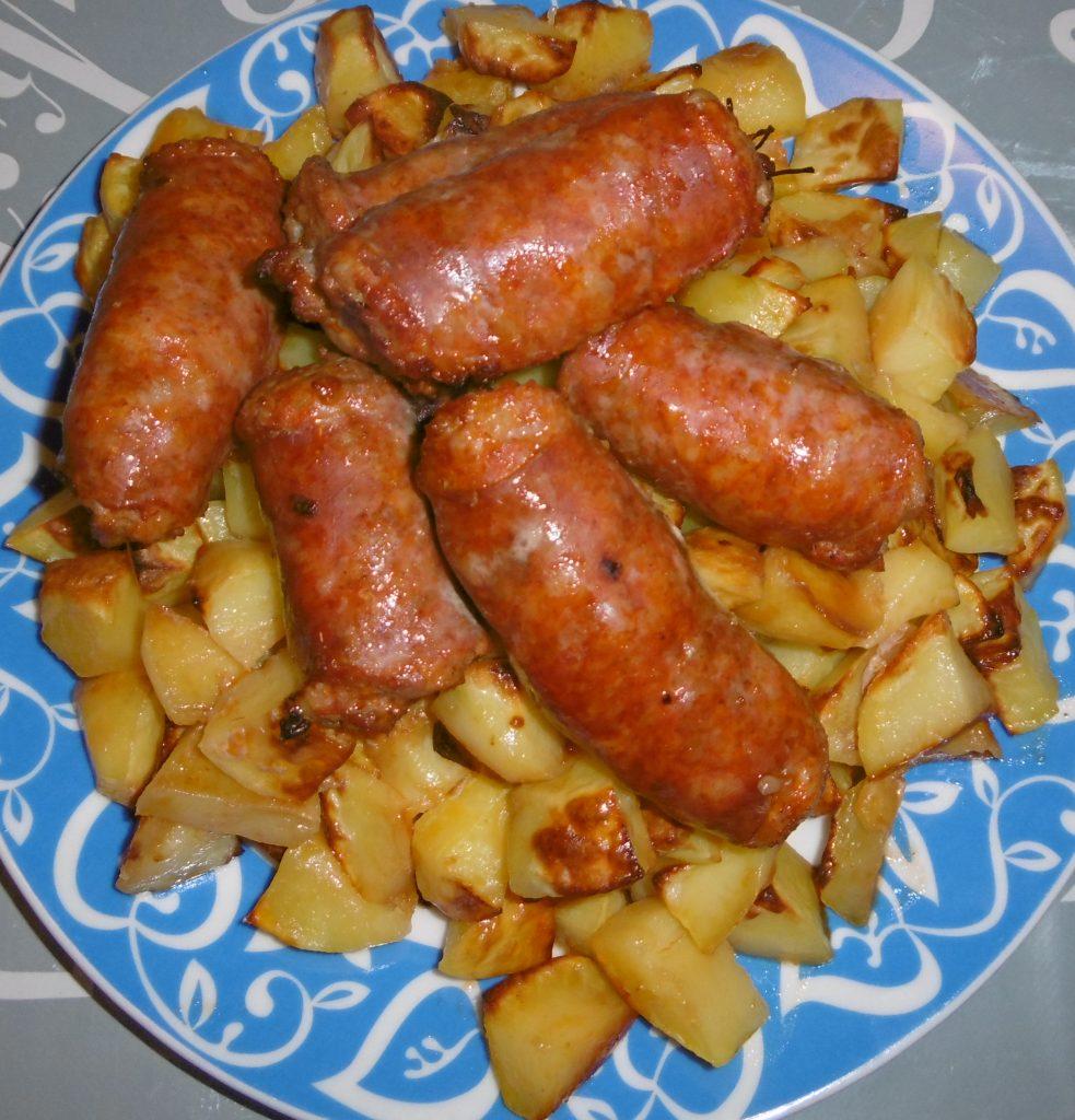 Tengofame salsiccia e patate al forno - Come cucinare salsiccia ...