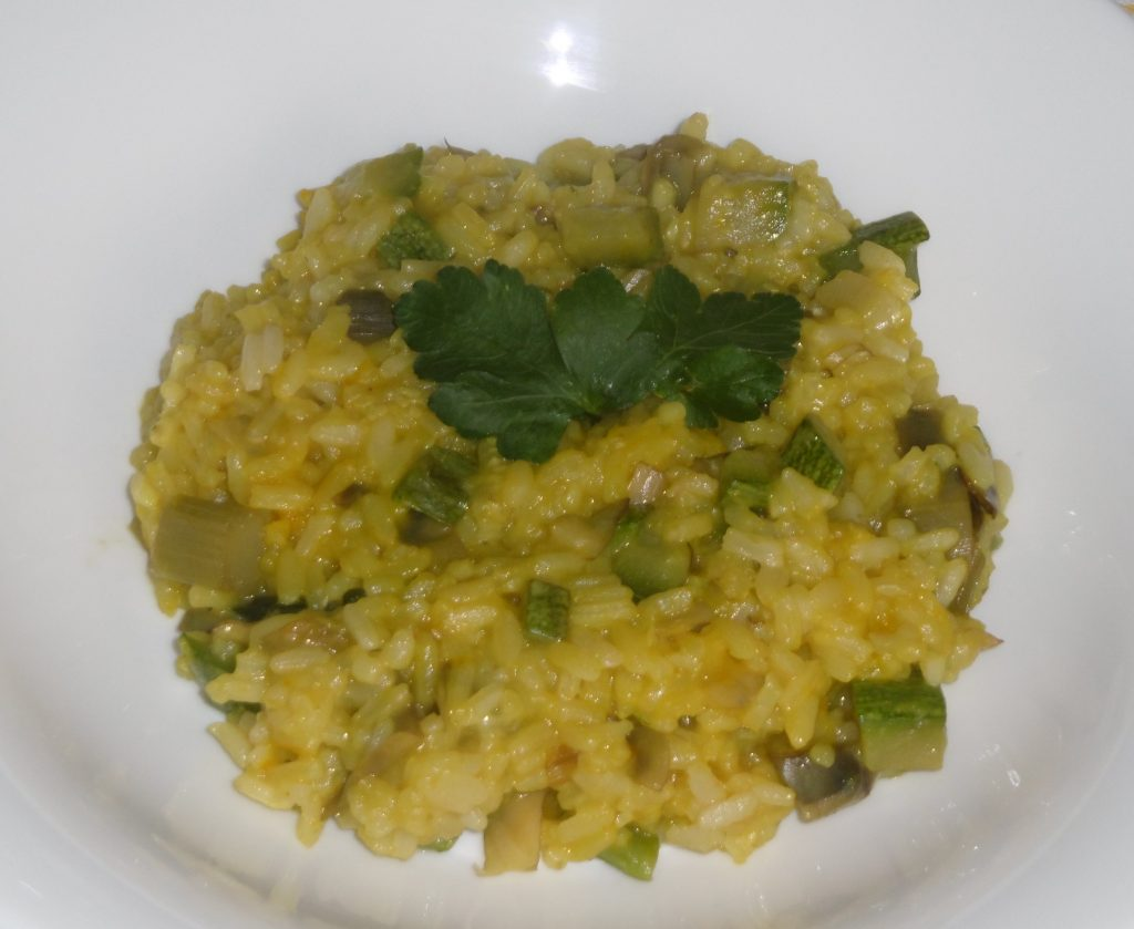 Tengofame risotto con zucchine carciofi e zafferano for Cucinare sinonimo
