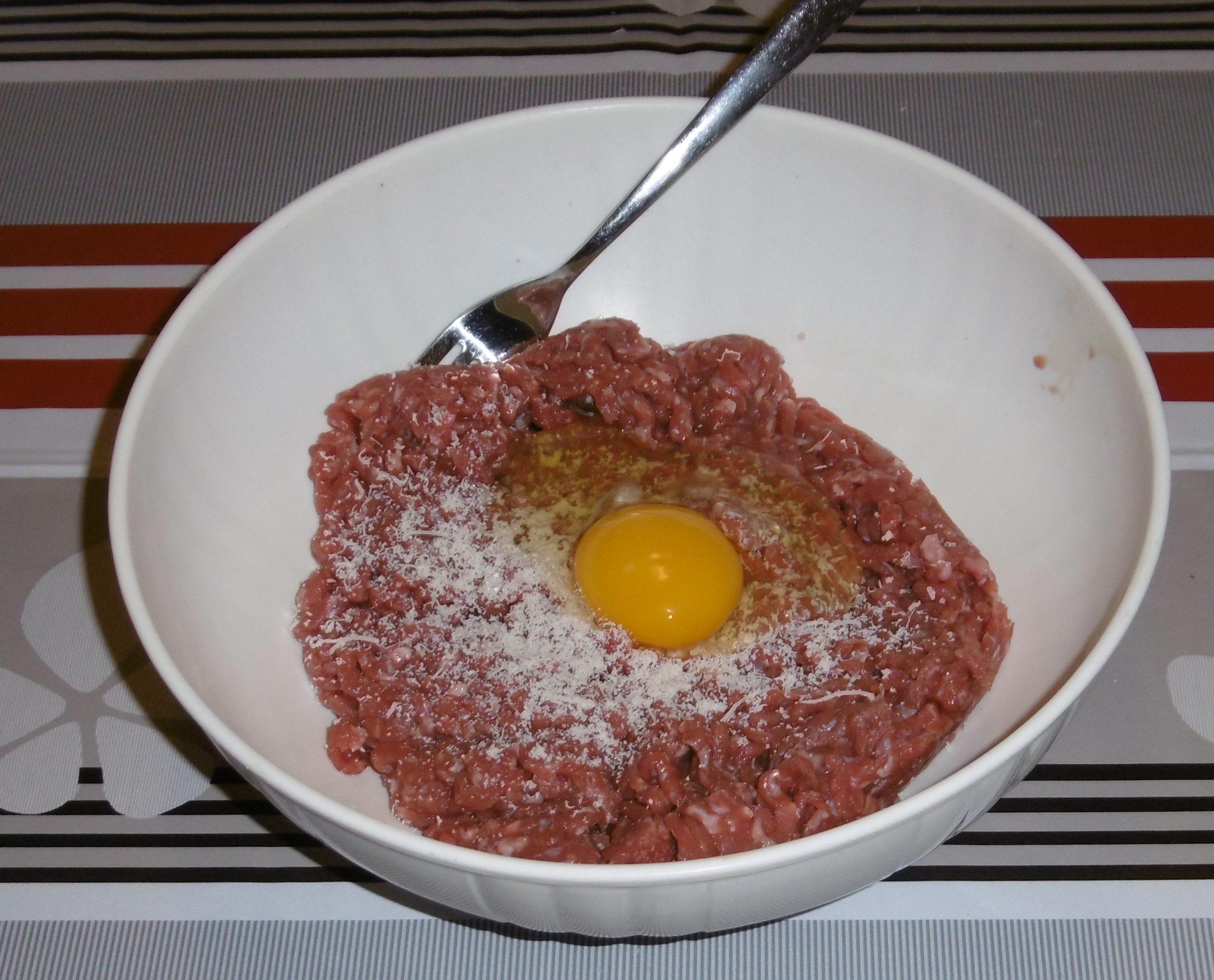 Polpettone al forno - Macinato,uovo e formaggio