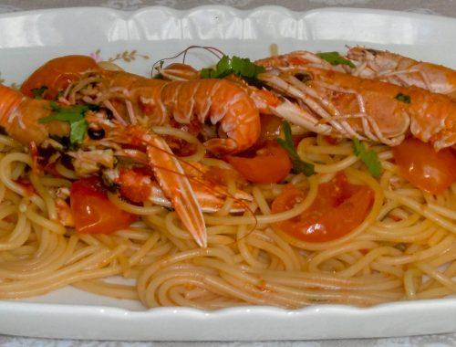Spaghetti con scampi e pomodorini - Piatto pronto