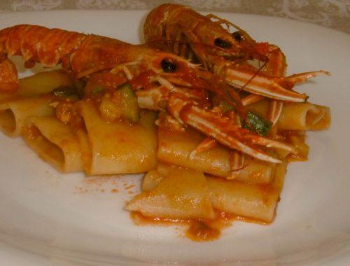 Paccheri con scampi e zucchine - Piatto pronto