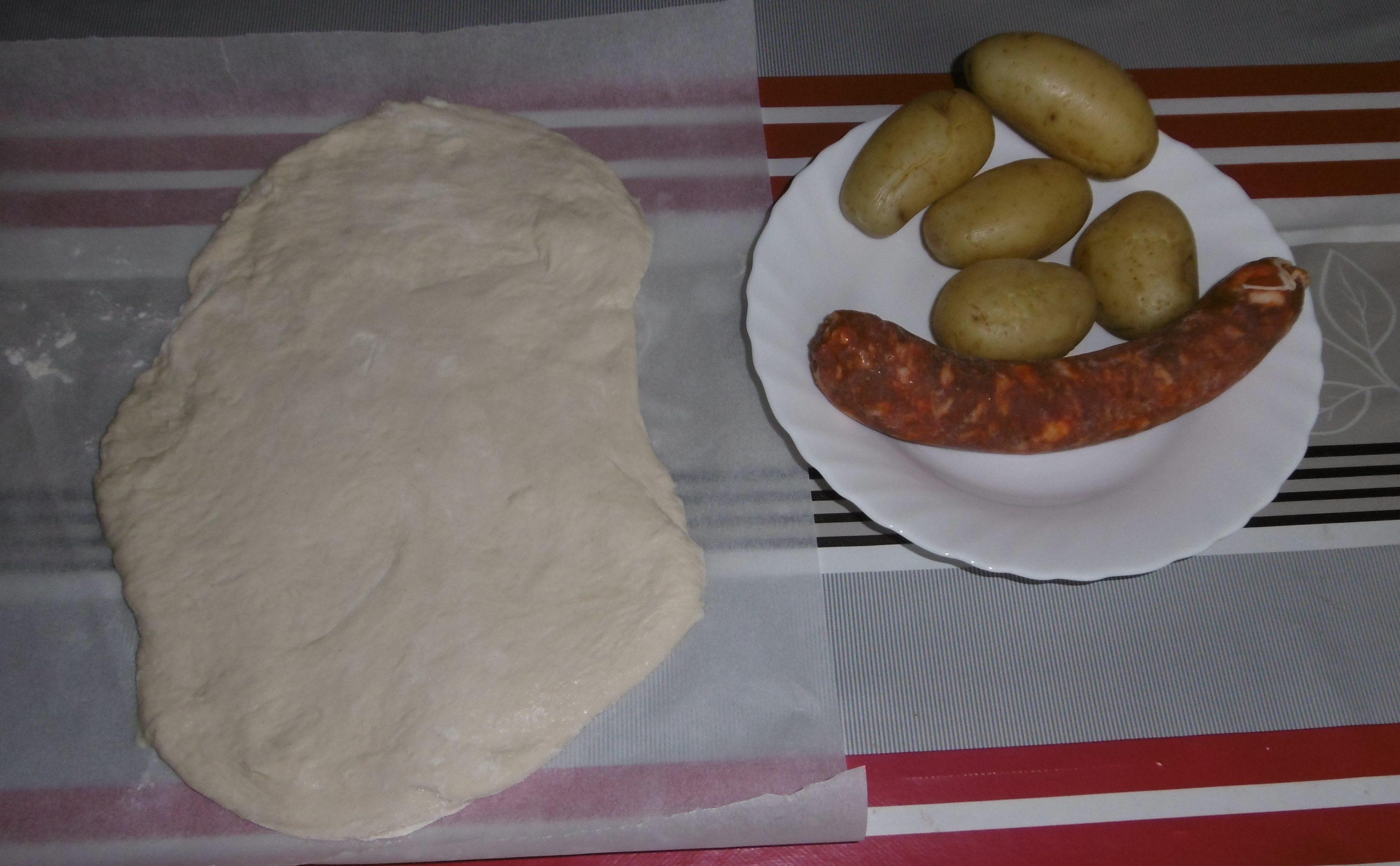 Calzone ripieno con salsiccia e patate - Ingredienti
