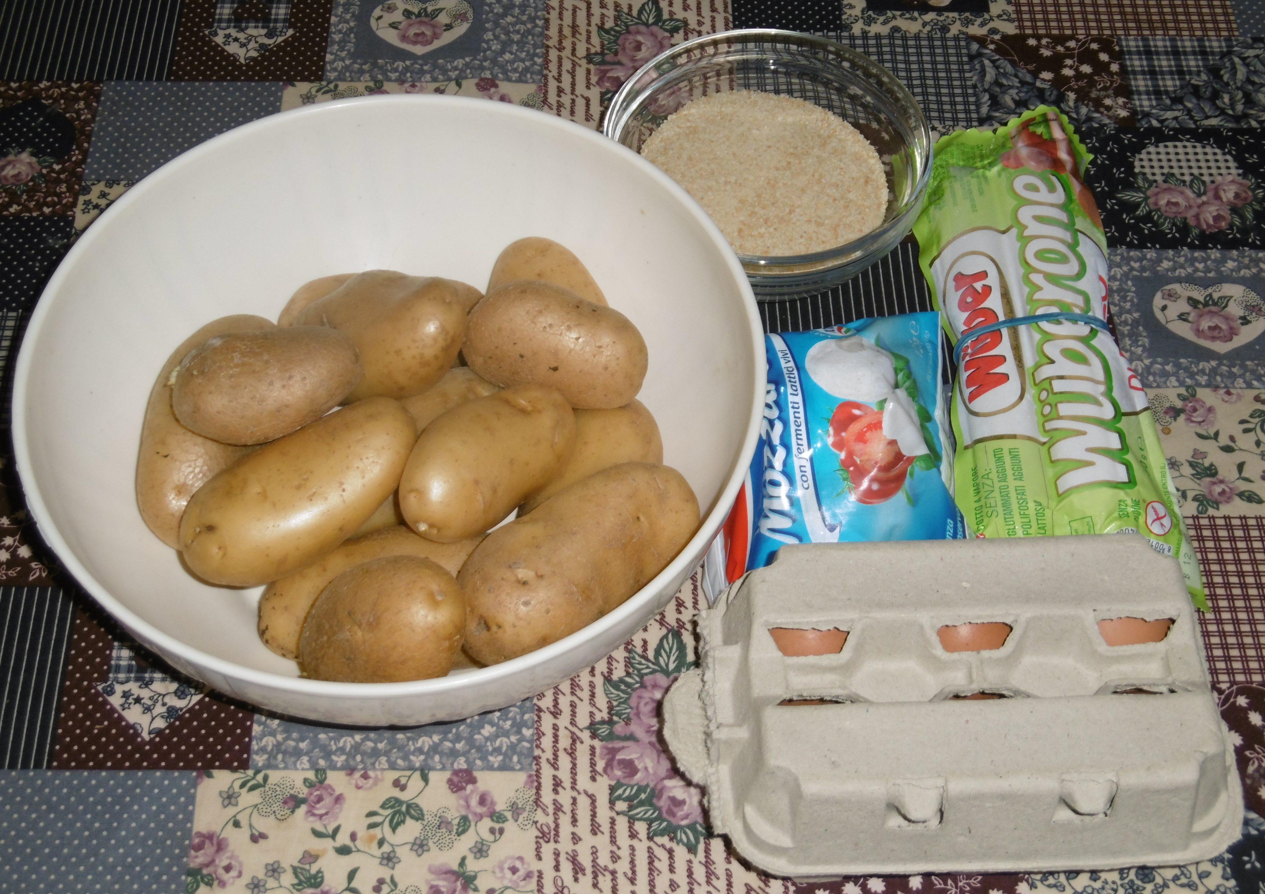 Torta di patate con wurstel e mozzarella - Ingredienti