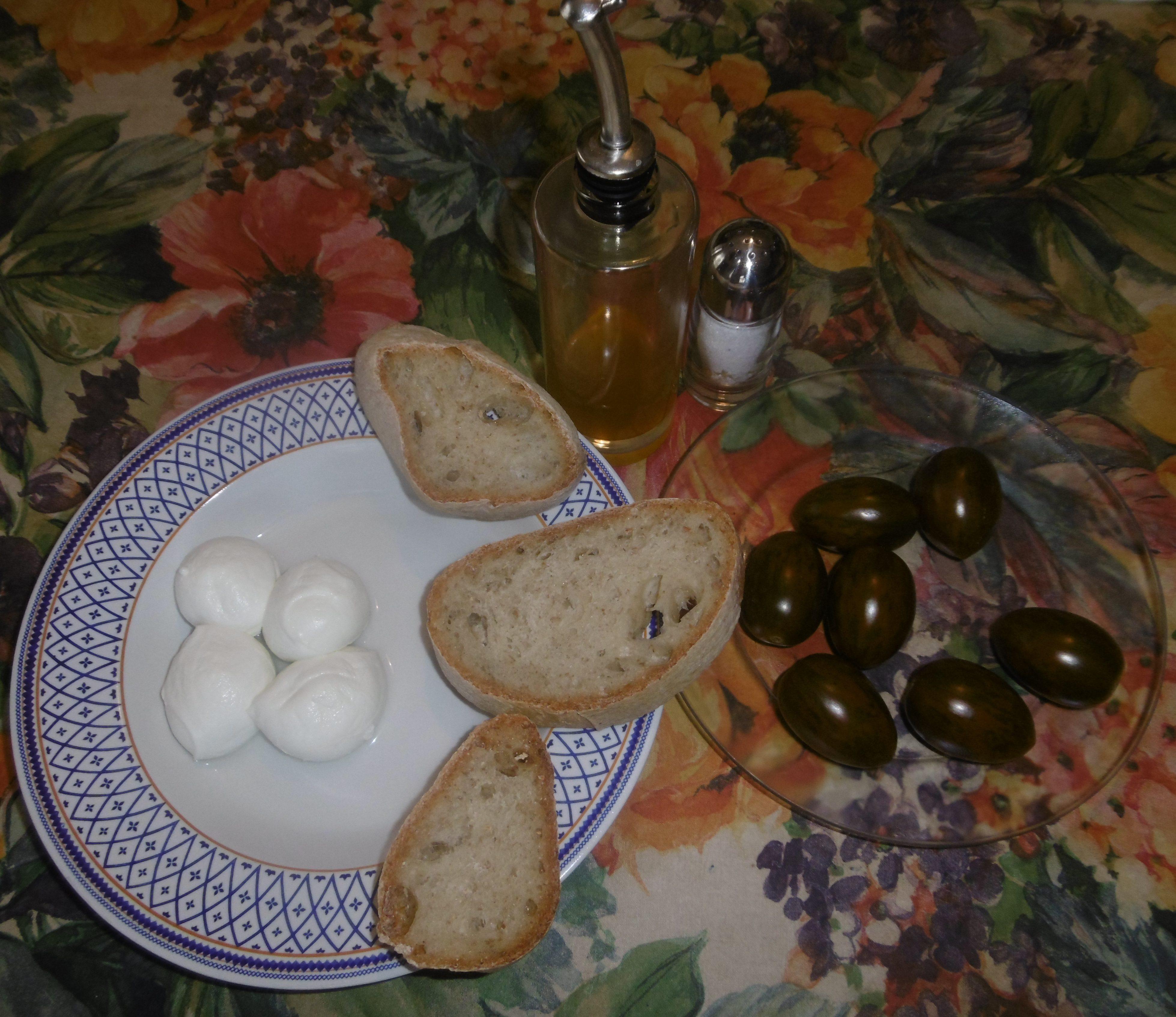 Bruschetta con pomodoro e mozzarella - Ingredienti