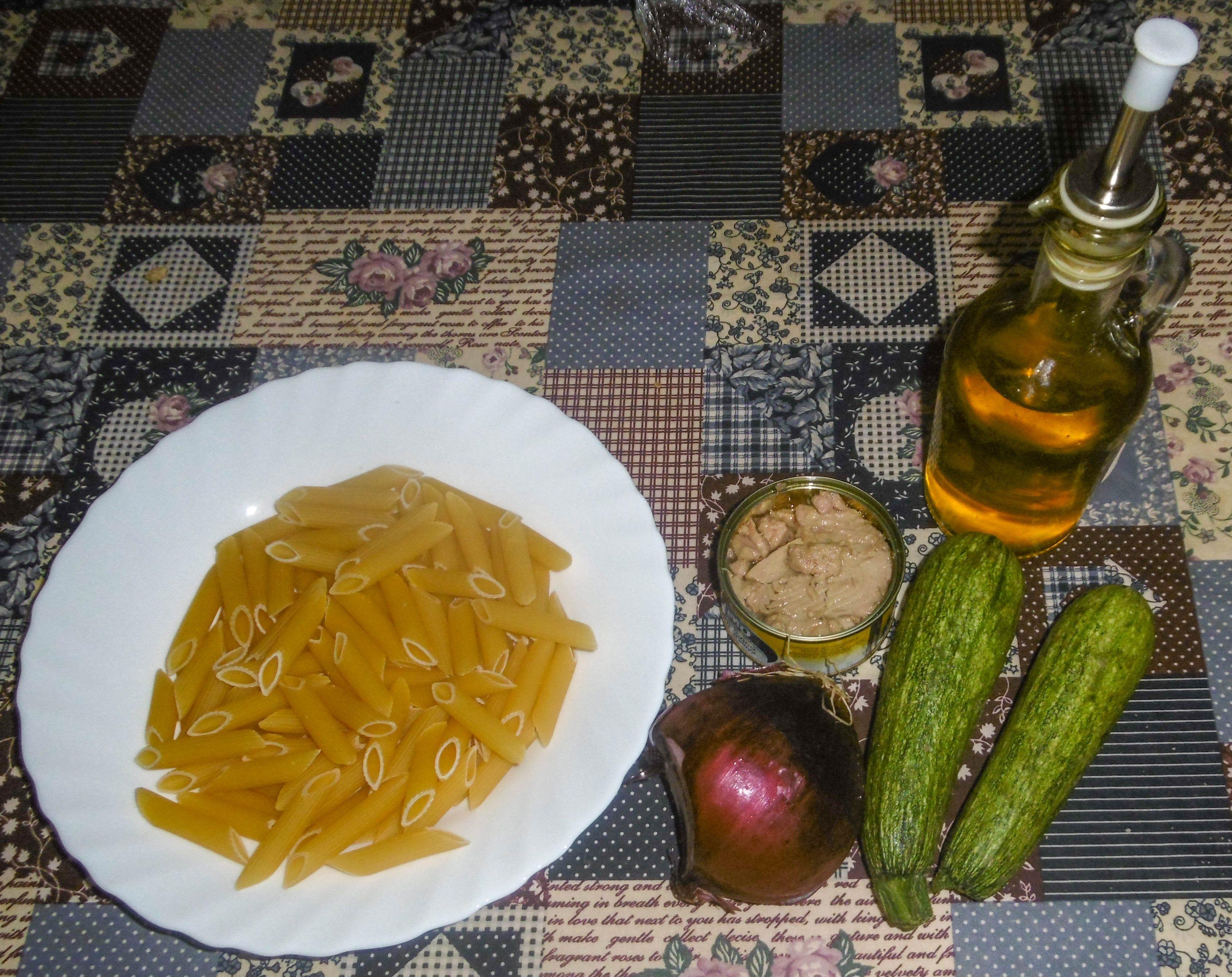 Pasta con tonno e zucchine - Ingredienti