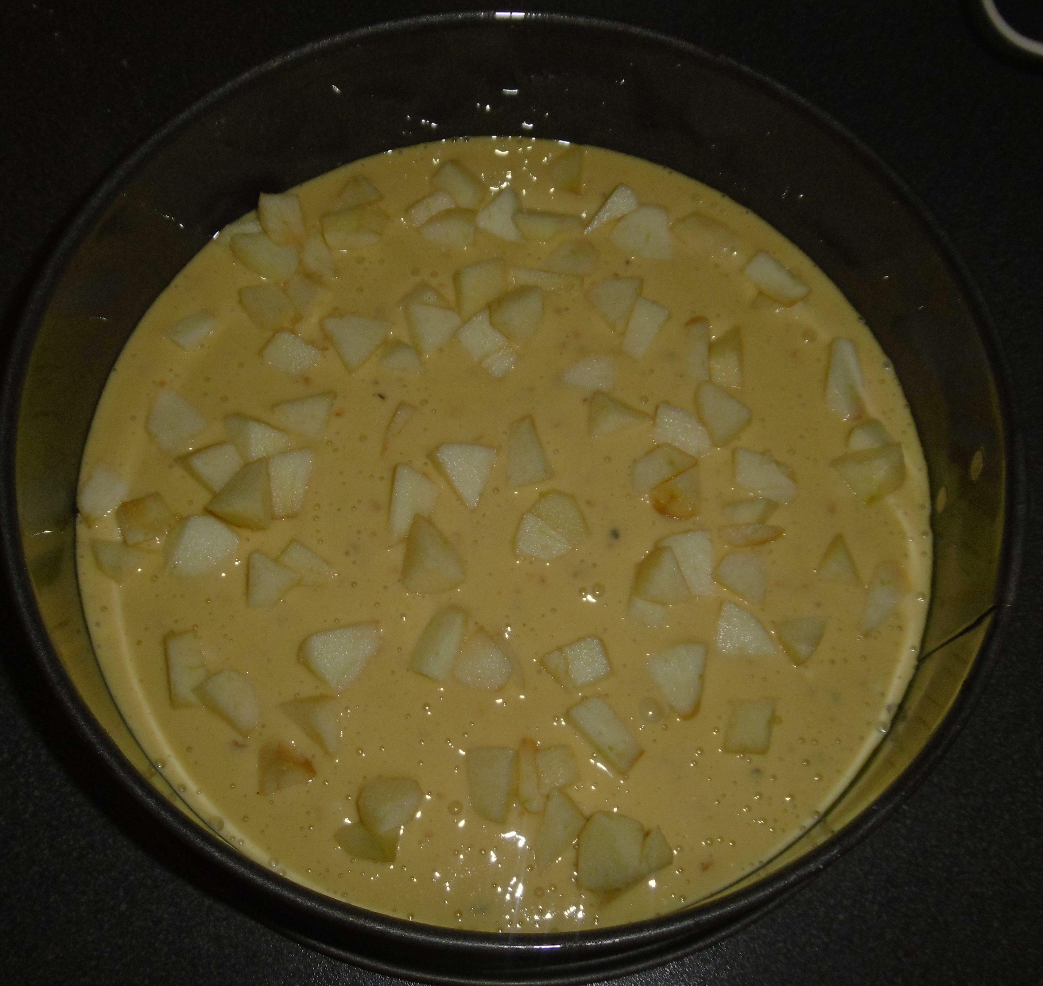 Torta di mele e nocciole - Metà impasto con mele