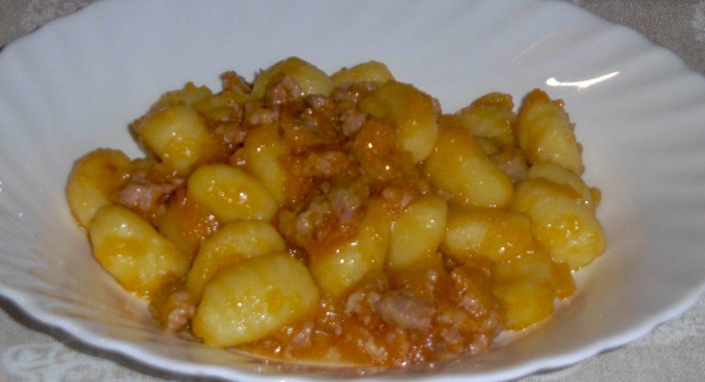 Gnocchi con zucca e salsiccia - Piatto pronto
