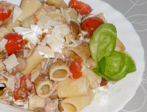 Pasta fredda pomodoro, mozzarella e olive - Piatto pronto
