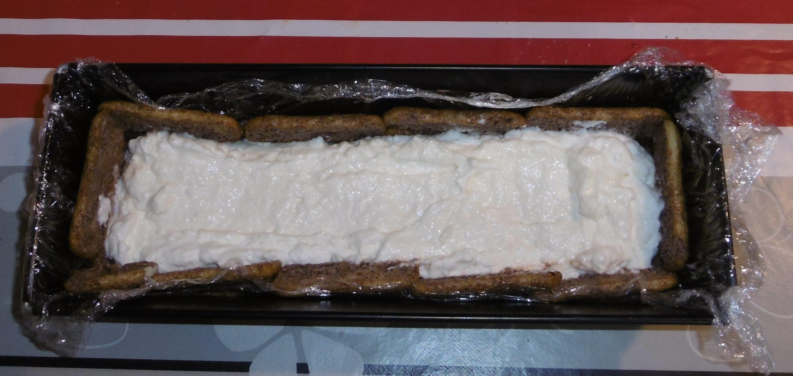 Semifreddo con pavesini, mascarpone e crema pan di stelle - Aggiunta crema