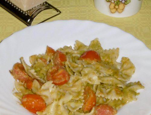 Pasta con crema di asparagi e pomodorini - Piatto pronto