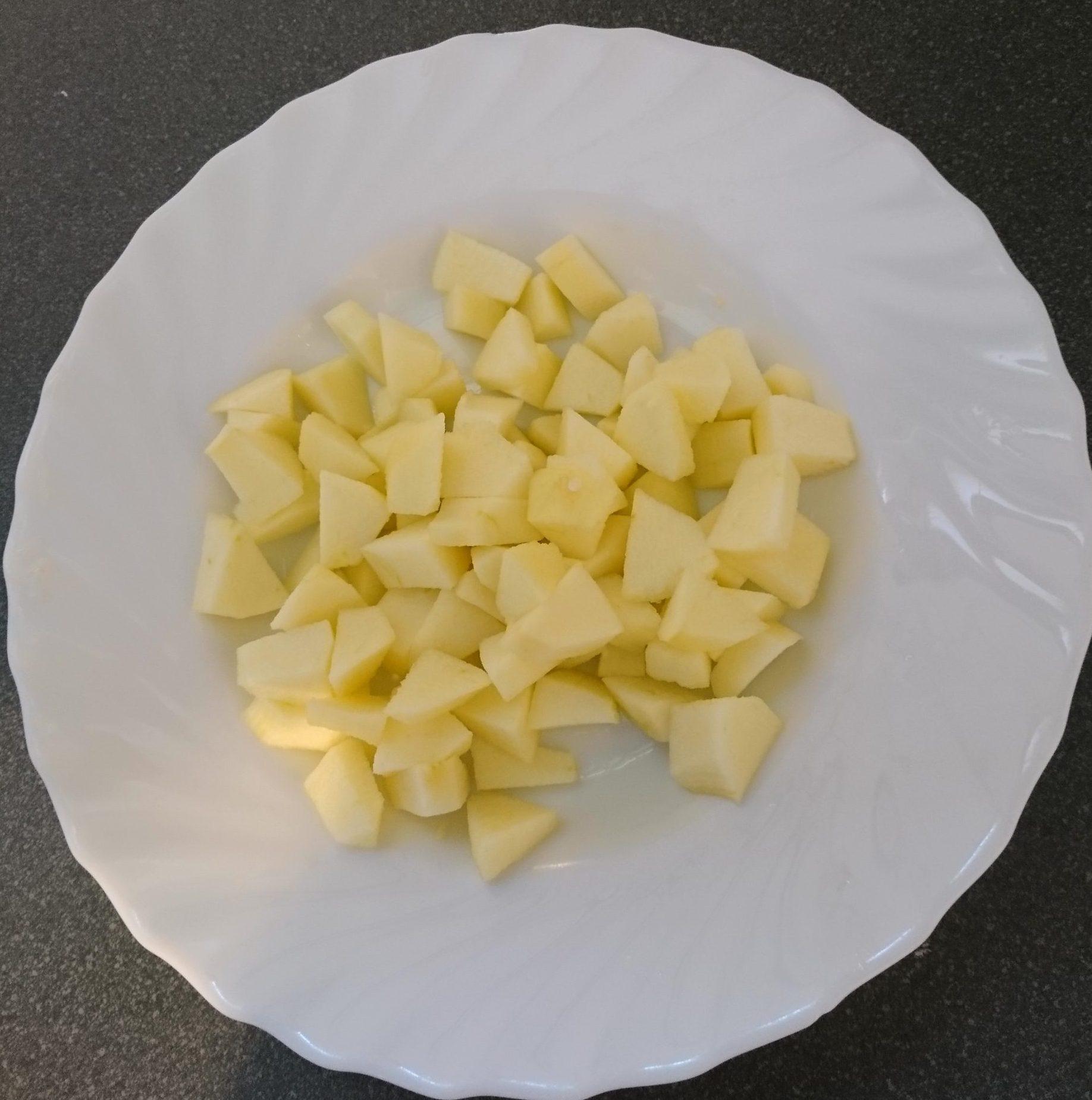 Torta di mele e yogurt - Mele tagliate a dadini