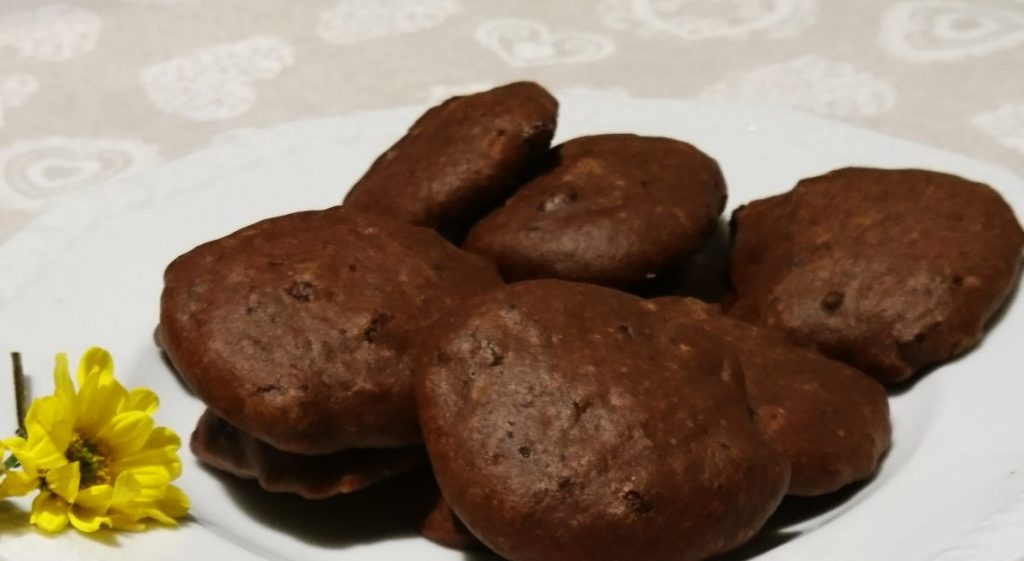 Biscotti al cioccolato fondente senza burro e uova - Piatto pronto